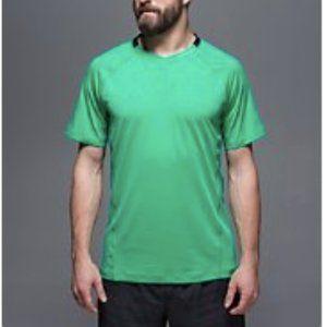 Lululemon Men's Focus V Short Sleeve sz L
